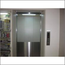 京都市中京区内 (油圧エレベーター撤去・新設)